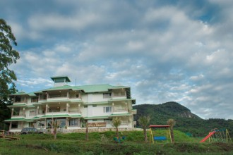 shola heaven, pollachi, hotel, room, resort, kanthaloor, munnar, wildlife, birds, anaimudi shola,
