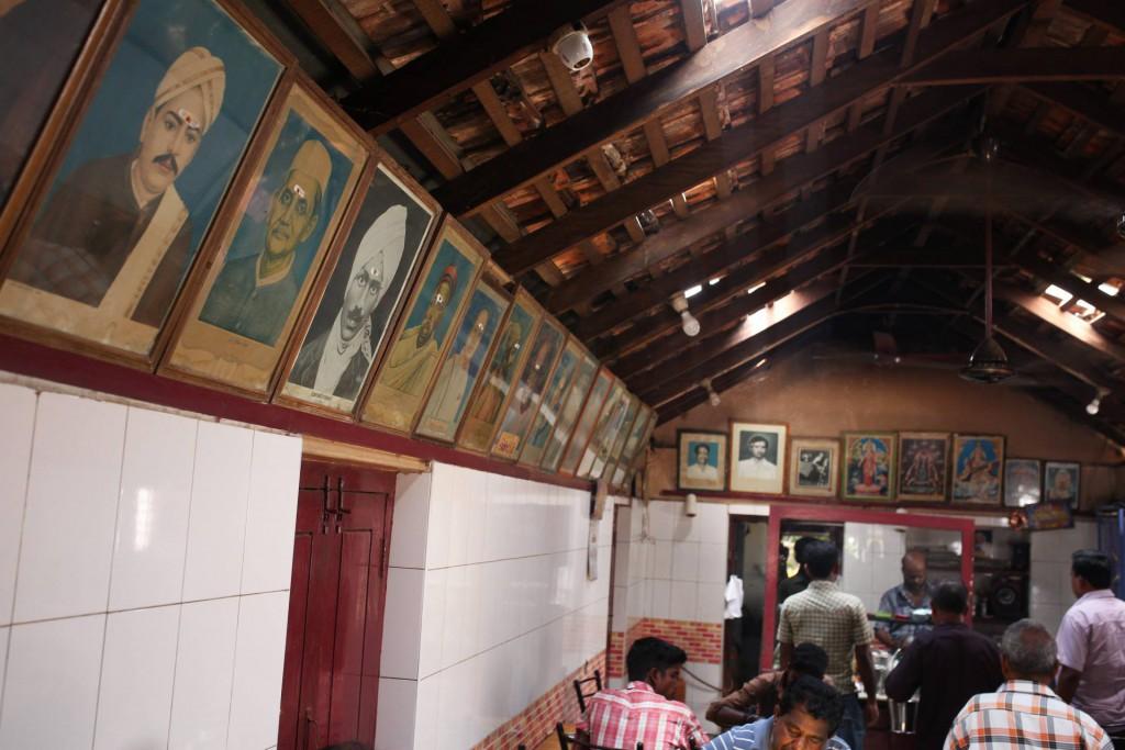 Local treats, places to eat in Pollachi, selvam mess, biriyani, mutton chukka, sukka, kadai fry, chicken, prawns, crab masal, ratha poriyal, lamb chops, pollachi papyrus, aliyar, valparai, sethumadai,