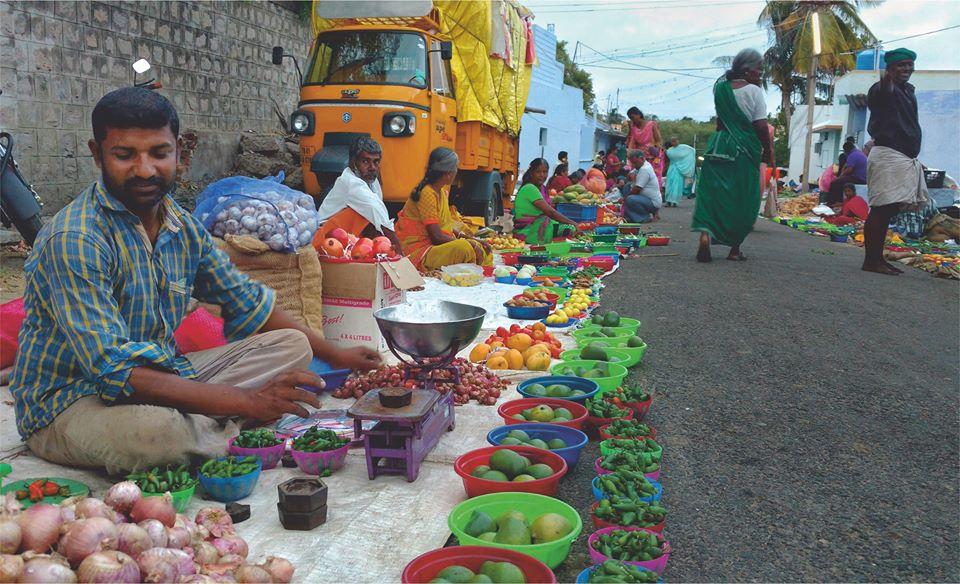 Puliyampatti Sandhai, pollachi sandhai, pollachi weekly market, pollachi market, vegetable market, flee market, friday market, pollachi papyrus, weekly market, photo walk