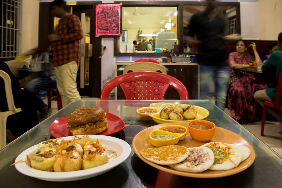 Manonmani Tiffin Stall, pollachi, pollachi papyrus, local treats, places to eat, fish, dam fish, fish curry, meals, full meals, south indian restaurant
